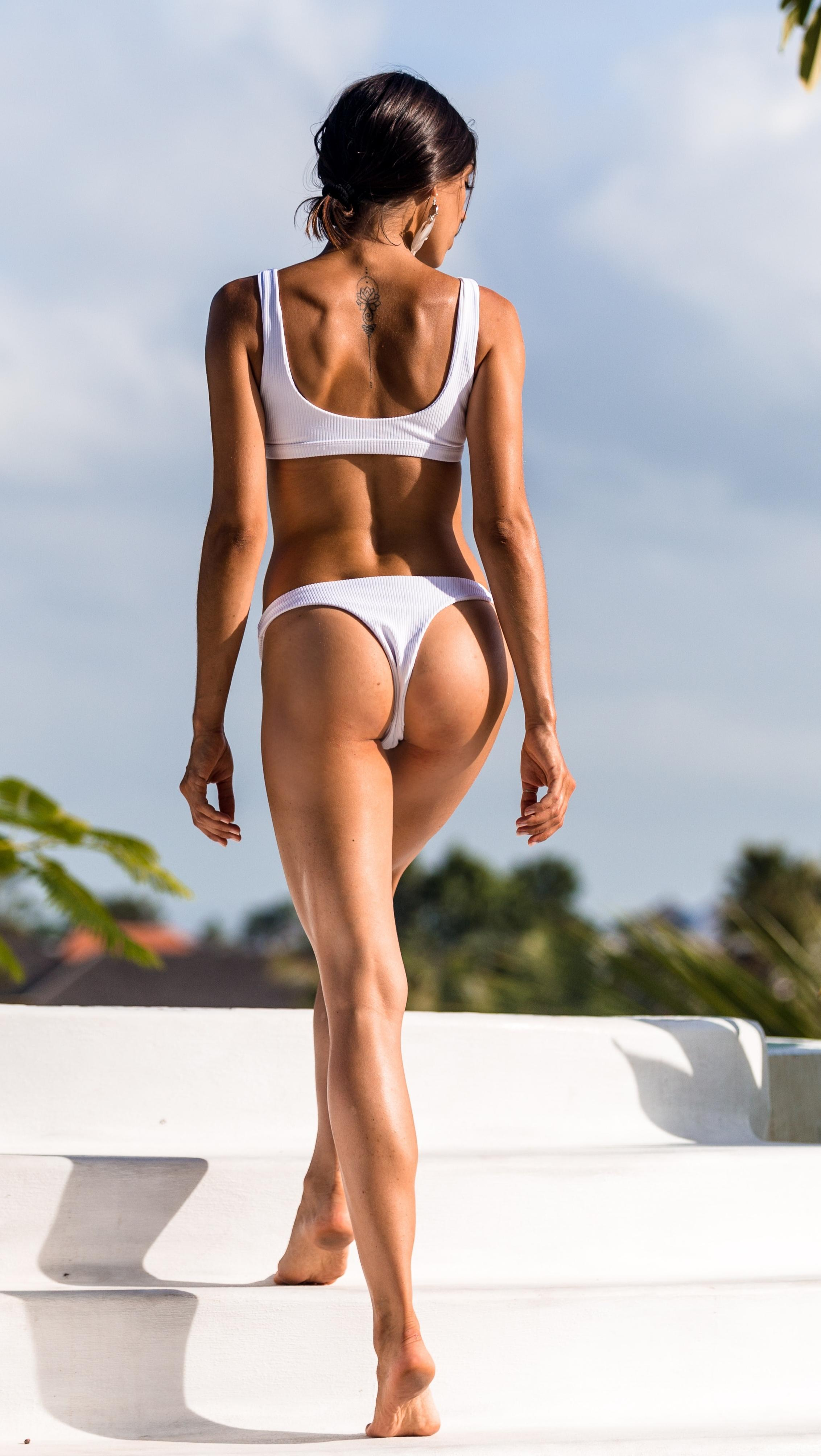Picture with tags: HD, Interesting, Swimsuit, Unknown model, Ass, Girl