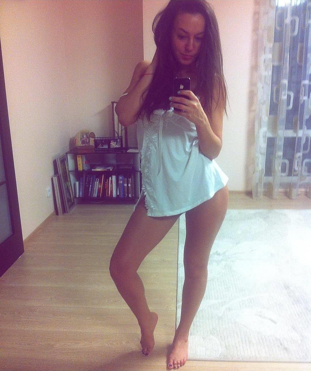 Image avec étiquettes:Sous-vêtements, Chat vidéo, Les filles