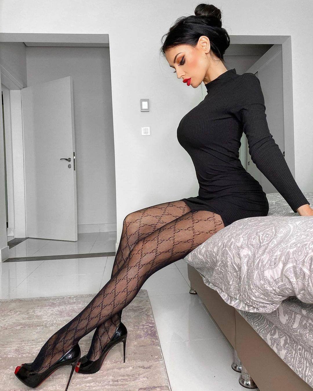 Afbeelding met tags:Unknown, Stockings, Meisje