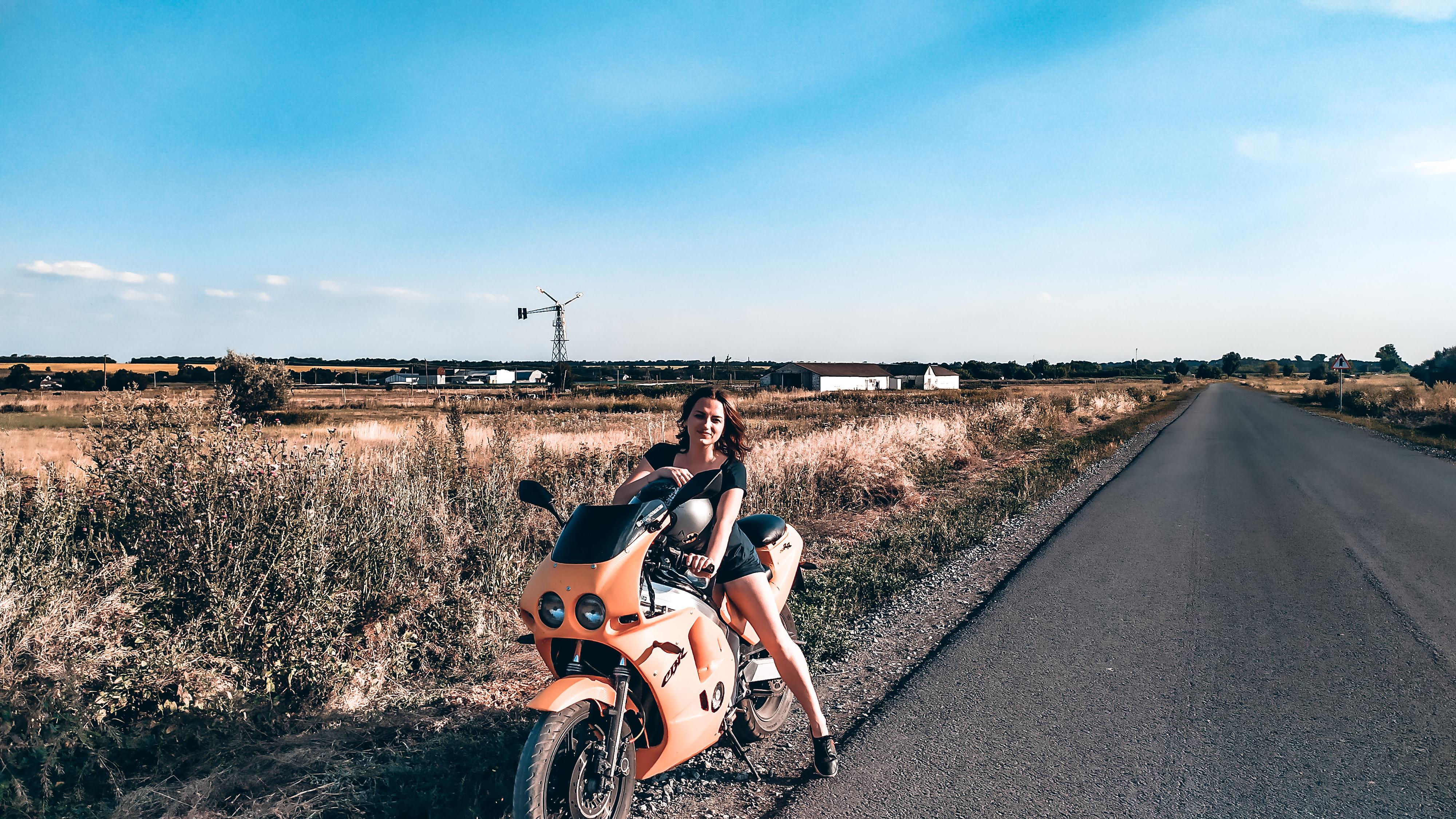 태그가있는 그림 :자전거, 화상 채팅, 걸스