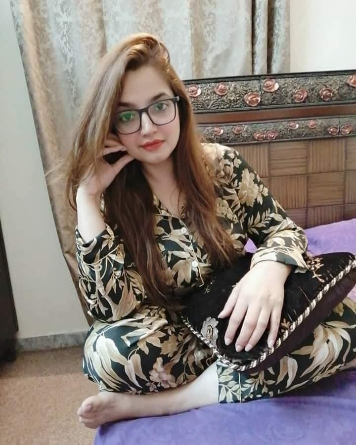 Picture with tags: Girl