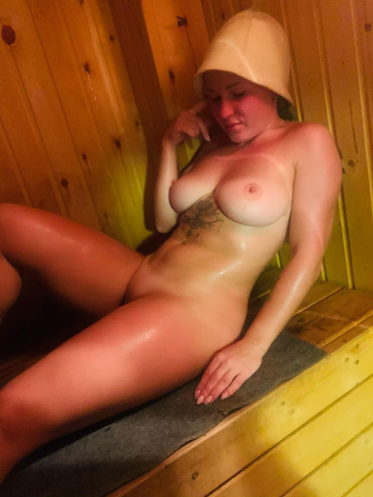 Picture with tags: Naked, Interesting, Porn, Amateur, Girl