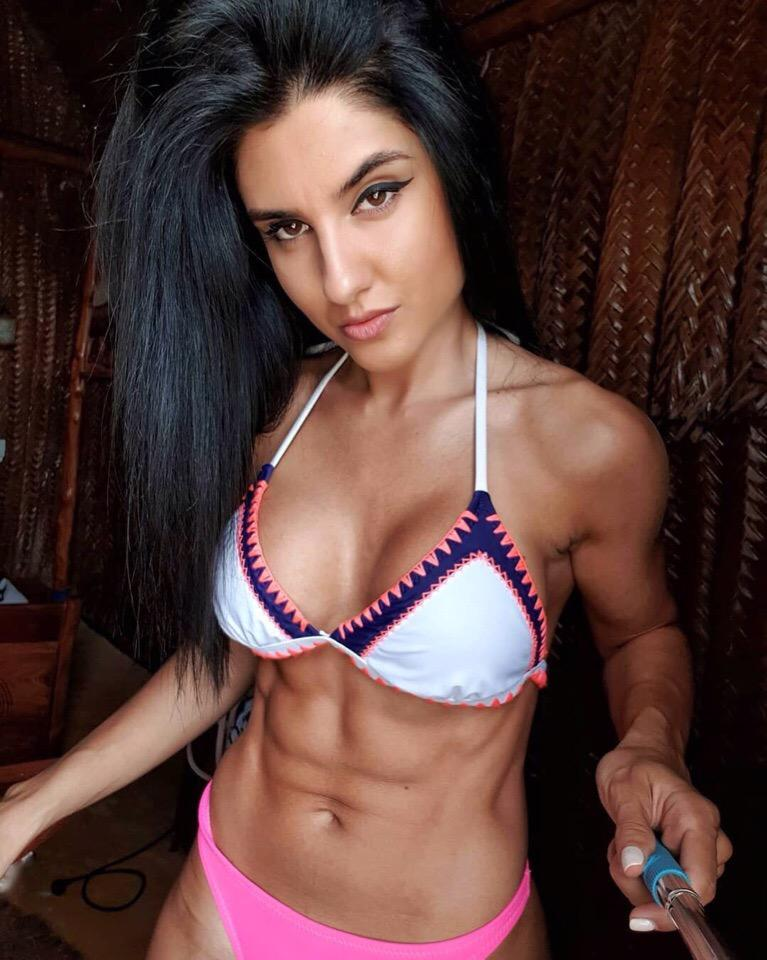 Picture with tags: Selfie, HD, Interesting, Swimsuit, Fitness, Girl